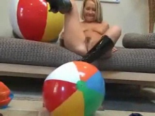 Highheel Inflatable Beachball Popper